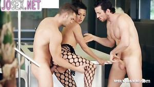 Alexa Tomas loves anal Threesome with two males....