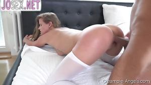 Blonde Fucks with a guy and drinks a cocktail of sperm from ...