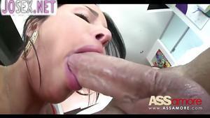 Грудастая Anissa Кейт с красивой попкой ебется в анал
