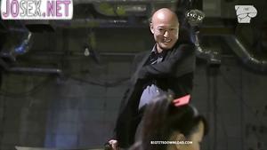 Грудастая азиатка жестко выебанная самураями