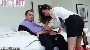 Даника Диллон трахается с другом своего мужа