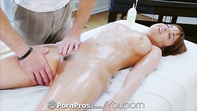 Dillion Harper is enjoying the hands of a masseur and Fucks ...