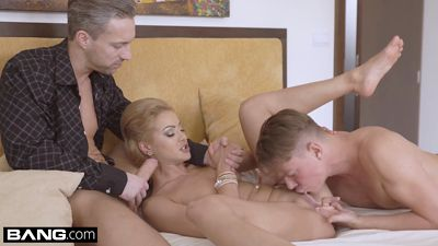 Glamorous Cherry Kiss have arranged a Threesome with stud an...