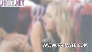 Шикарная блондинка Chelsey Lanette трахается с фотографом...