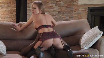 Britney Amber трахается с черным красавчиком